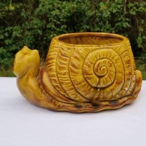 Vintage ceramic USA snail planter